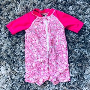 Old Navy babygirl swimsuit sz: 3-6 mos